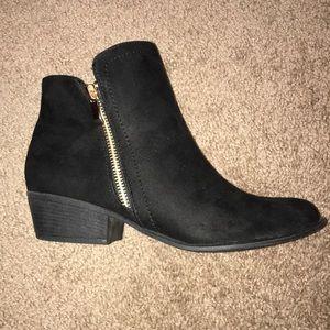 NWT Fashion Nova boots